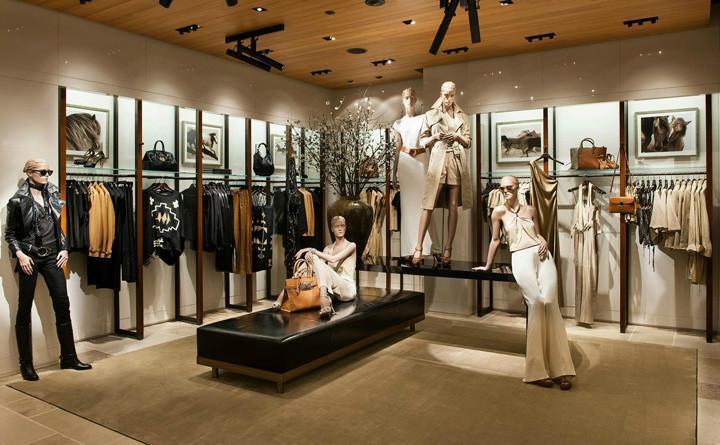 品牌服装专卖店生意不景气,这个方法值得对认真对待_上海空间设计有限公司